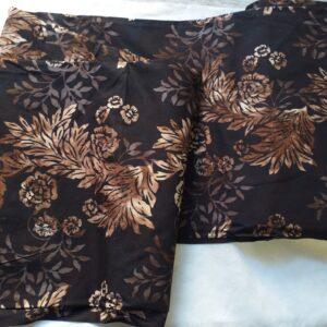 Tessuto di cotone ideale per patchwork, quilt, cucito creativo e capi d'abbigliamento.