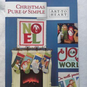 Libro dal sapore natalizio di 24 pagine, con progetti vari tra cui: piumini, calze natalizie, presepe, cuscini e altre idee.