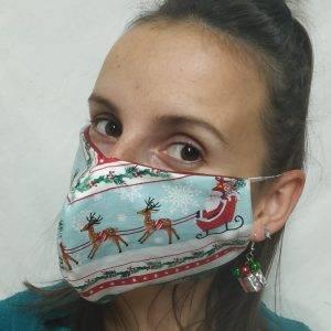 mascherina di tessuto in fantasia natalizia