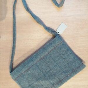 Borsetta di pura lana fine merinos con intero in lino cerato
